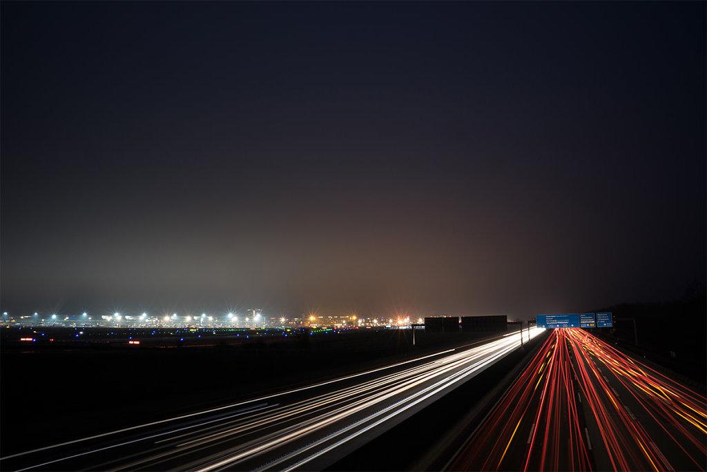 Frankfurter Flughafen bei Nacht
